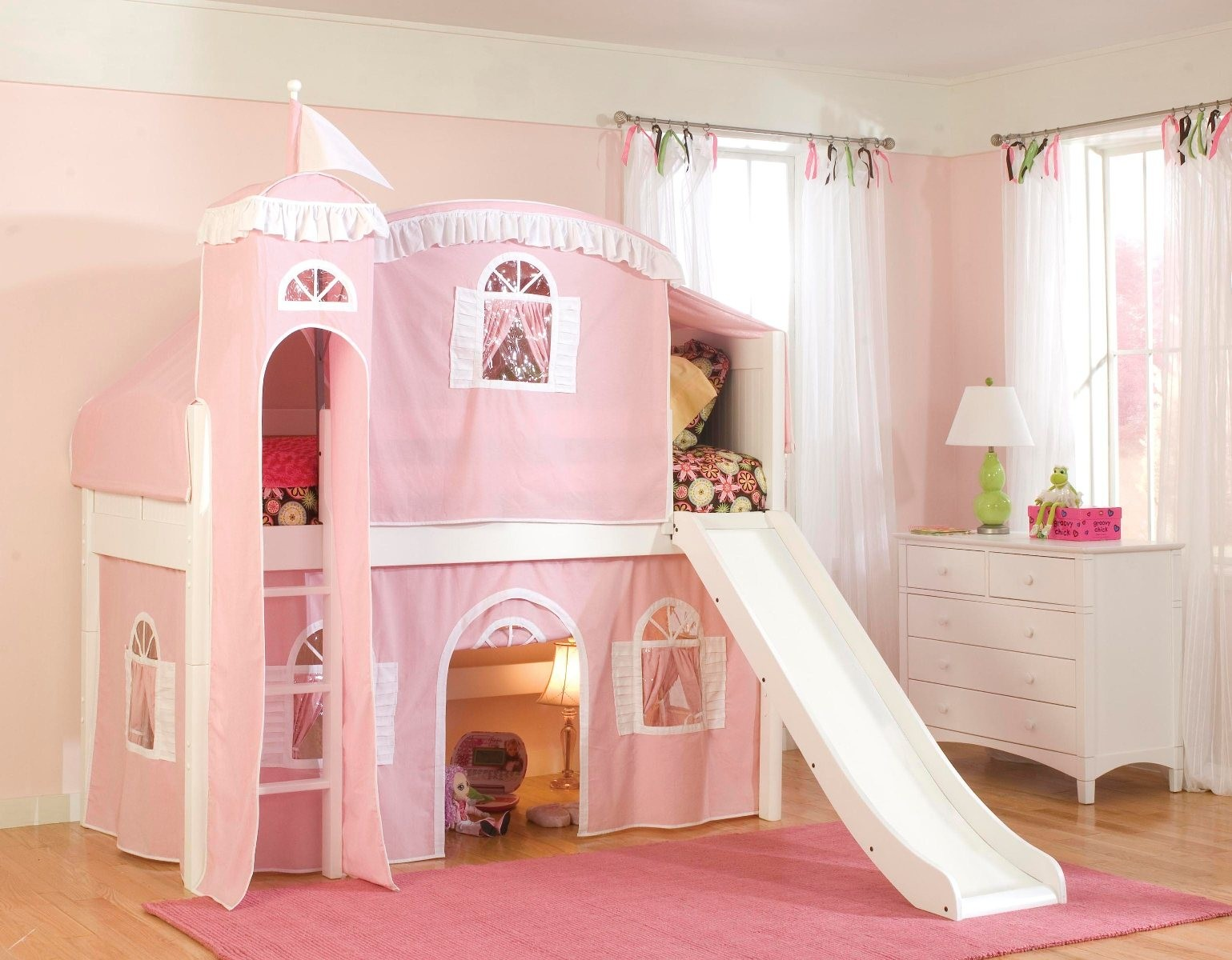 Image of: Princess Bunk Bed With Slide