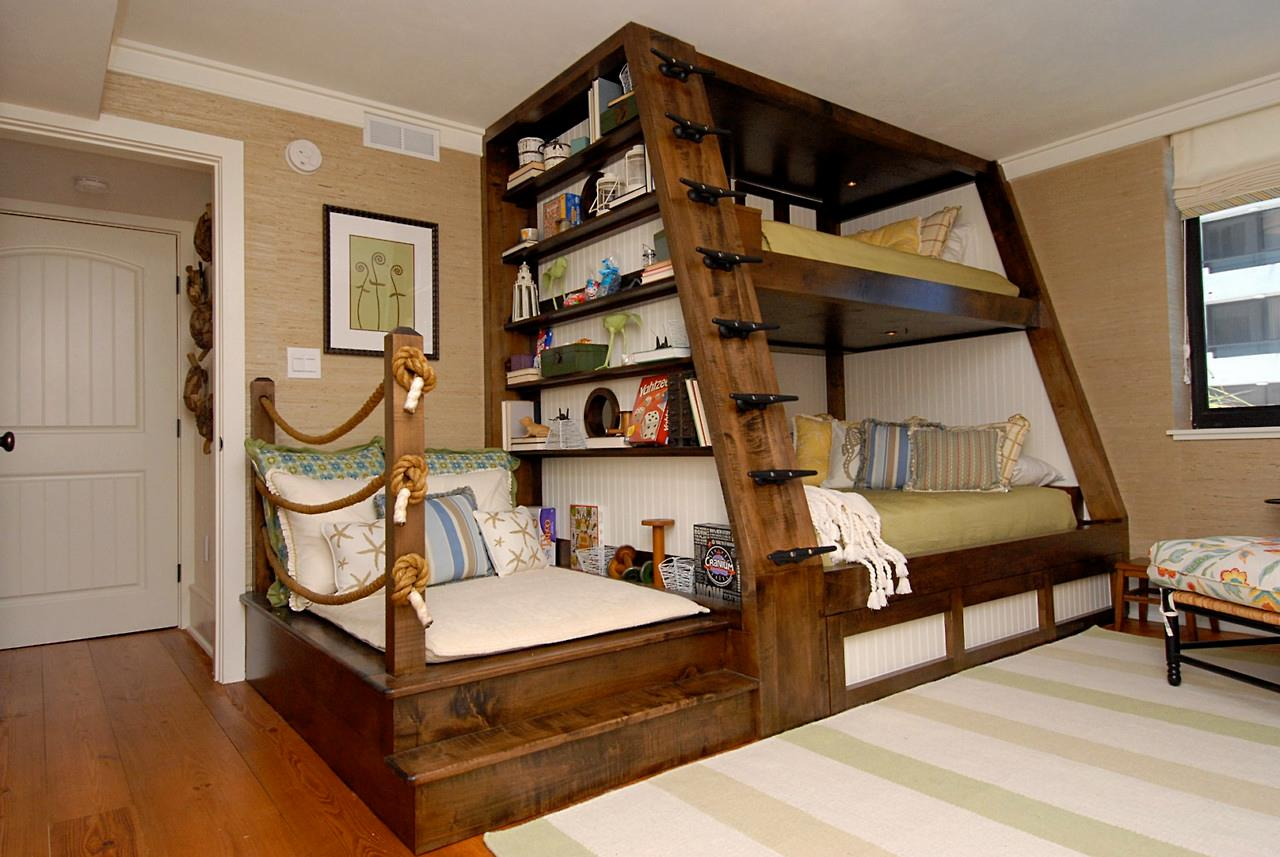 Wooden Bunk Bed with Only Top Bunk