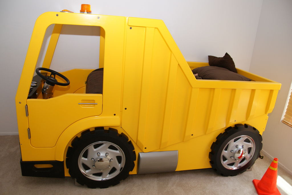 Yellow Jeep Bunk Bed