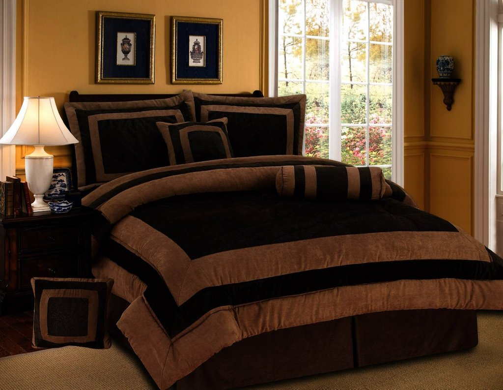 Image of: 7 Piece Chocolate Brown Suede Comforter Set King Bedding Beautiful Black Bedding Sets And Combine