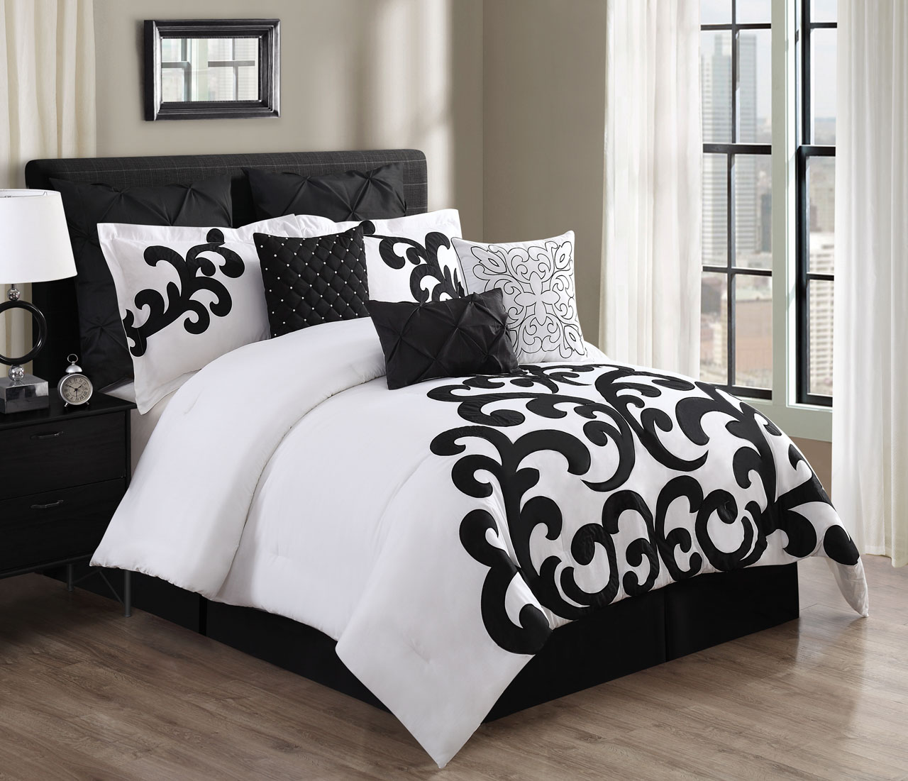 Image of: Black And White Comforter Full Size