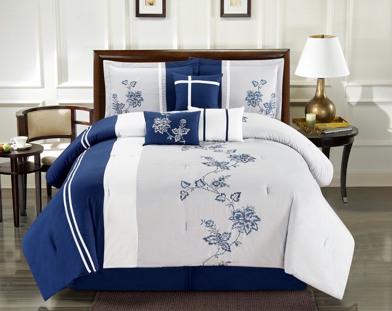 Image of: Blue and White Comforter Sets