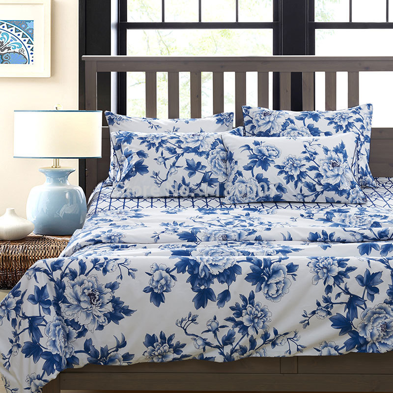 Image of: Blue and White Linen Flowers