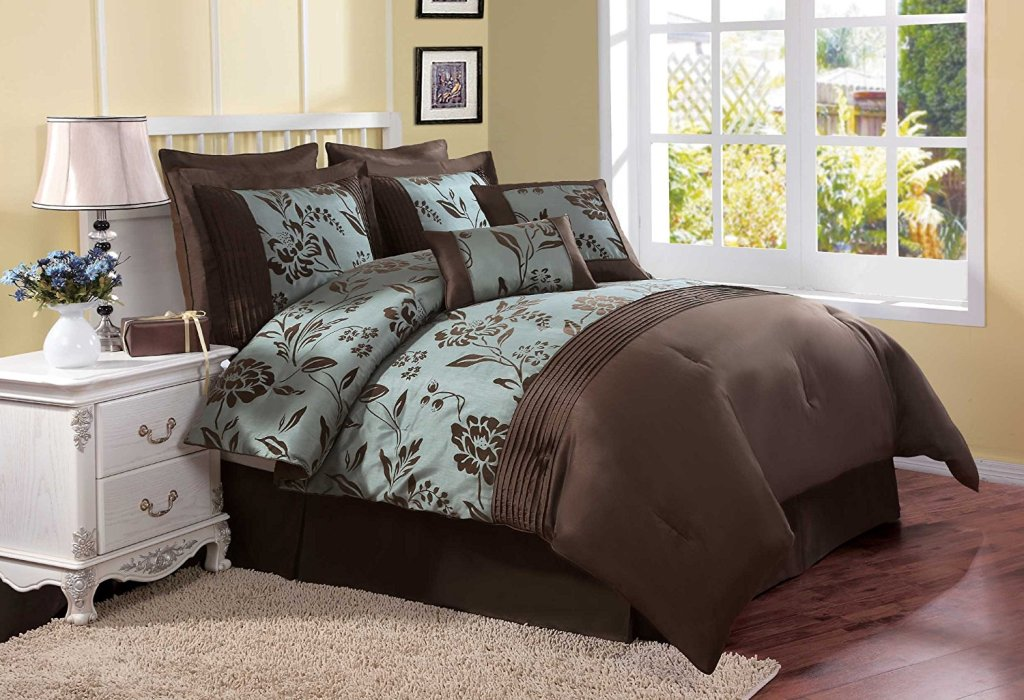 Image of: Brown And Teal Bedding