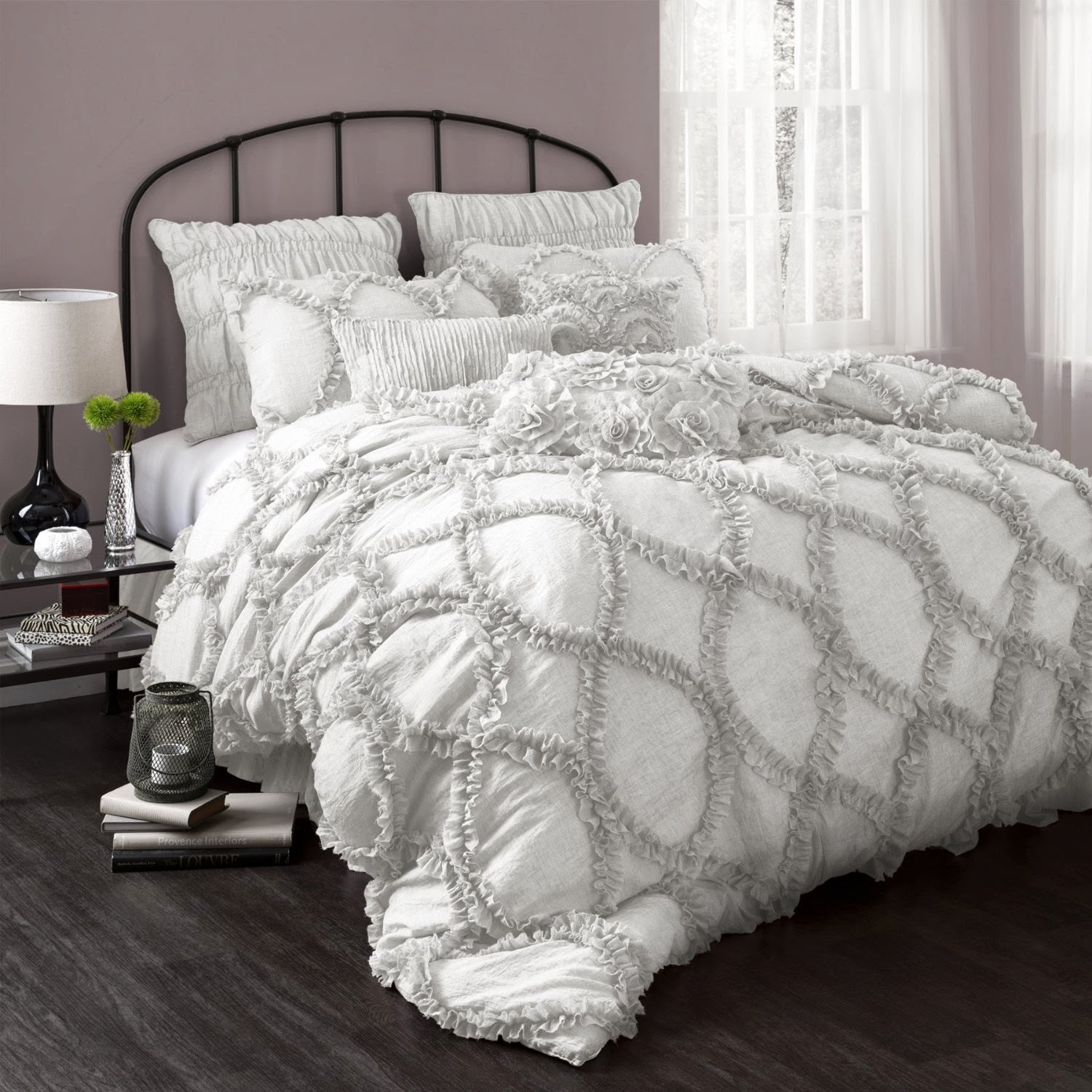 Image of: Chic Home Design Bedding