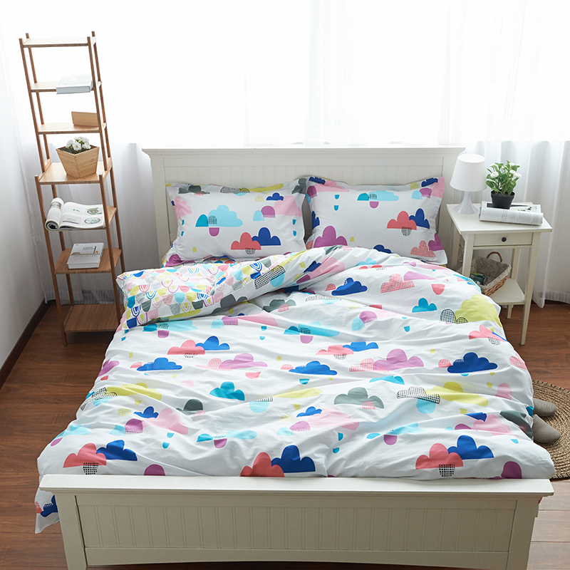 Image of: Cloud Pinted Bedding Set