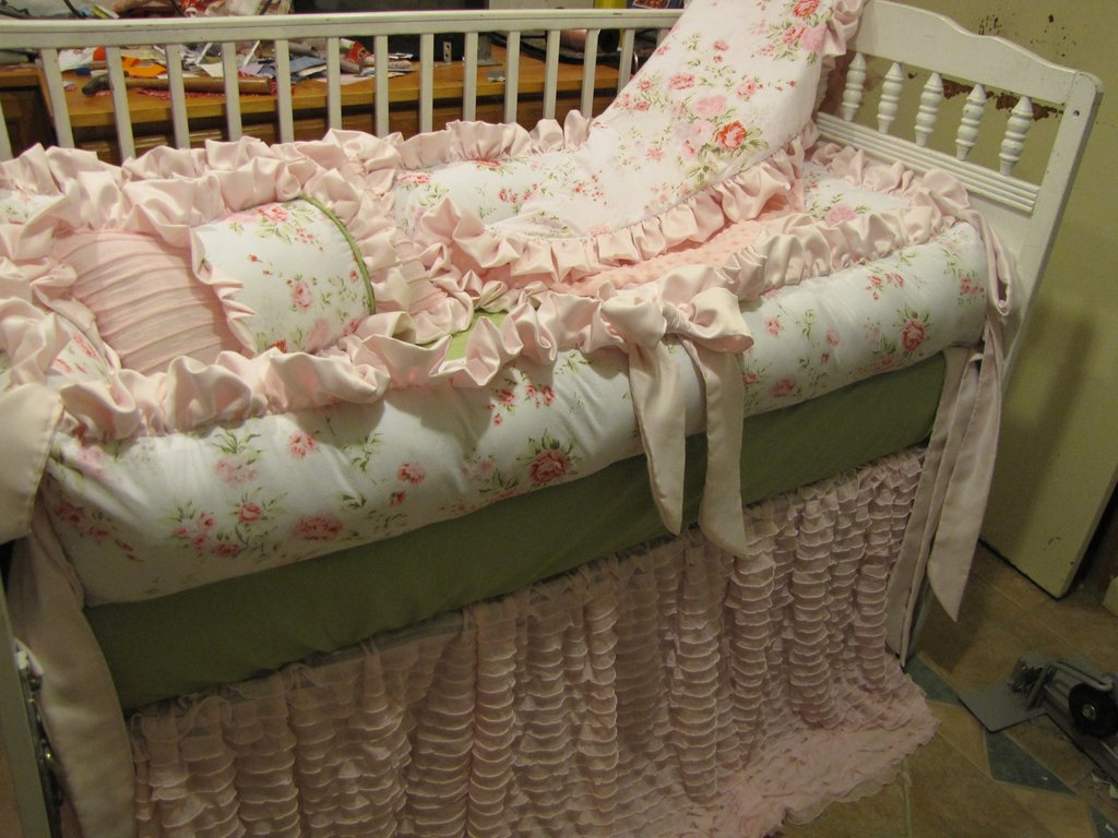 Image of: Custom Crib Set Pink Grey Shabby Chic Style 6pc Cozy, Relaxed and Chic Bedding Sets
