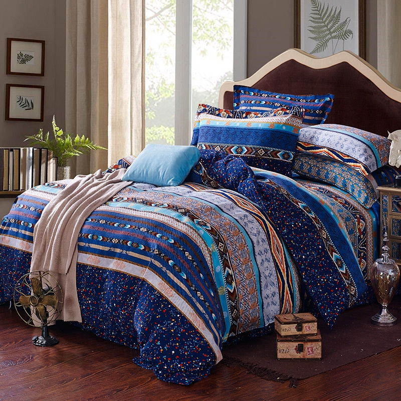 Image of: Egyptian Blue and White Bedding