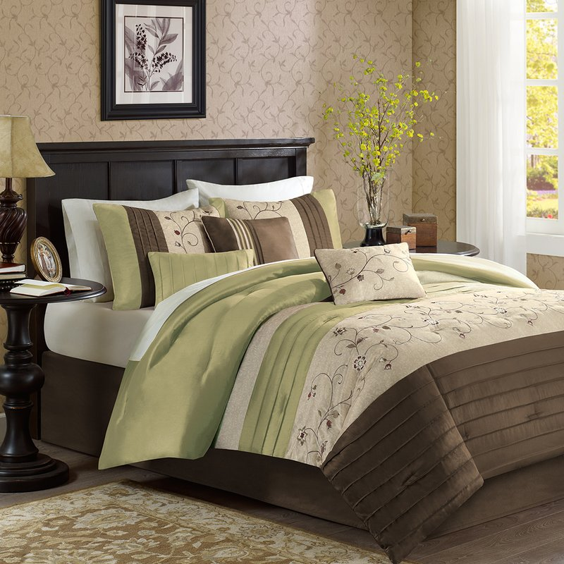 Image of: Green and Brown Comforter Set King Size