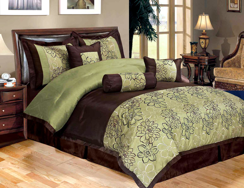 Image of: Green Brown Luxury Bedding