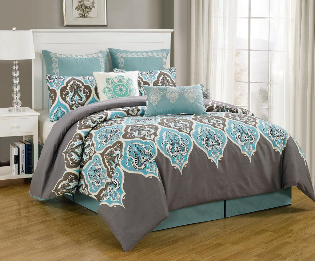 Image of: Grey And Teal King Master Bedroom