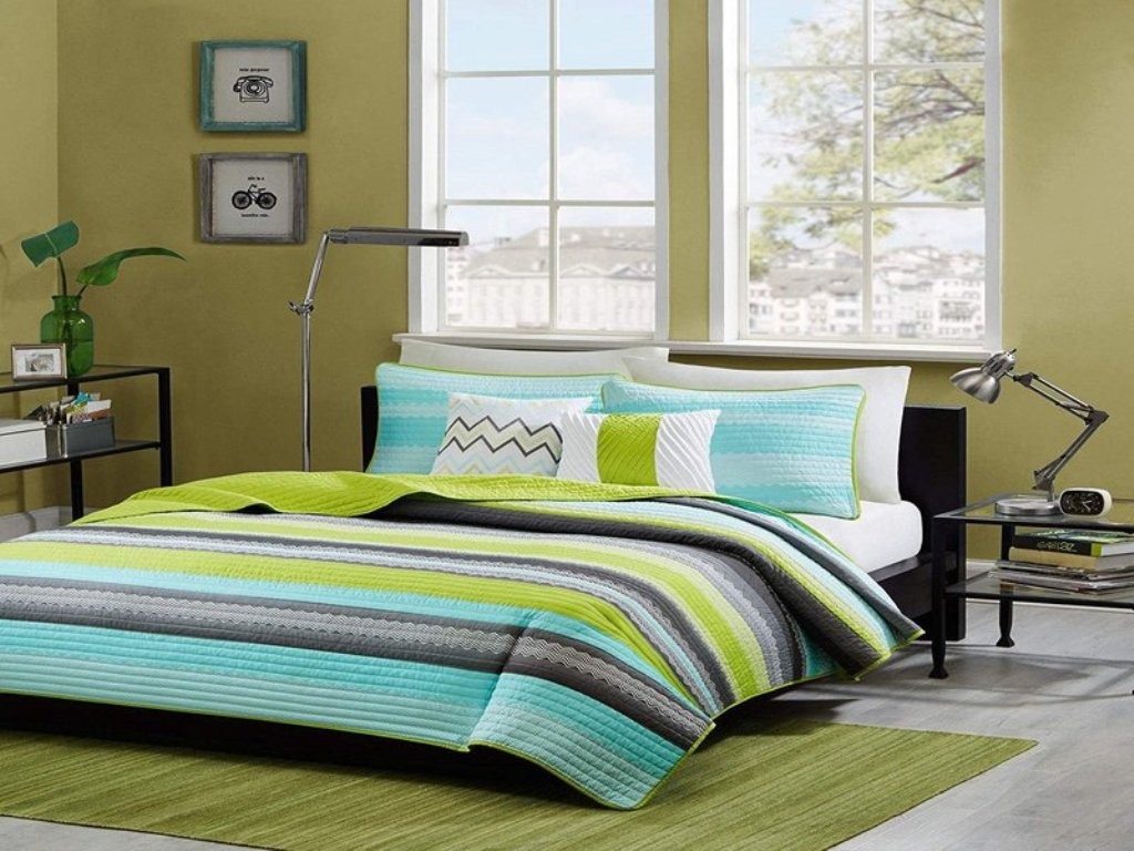 Image of: Lime Green And Blue Comforter Set
