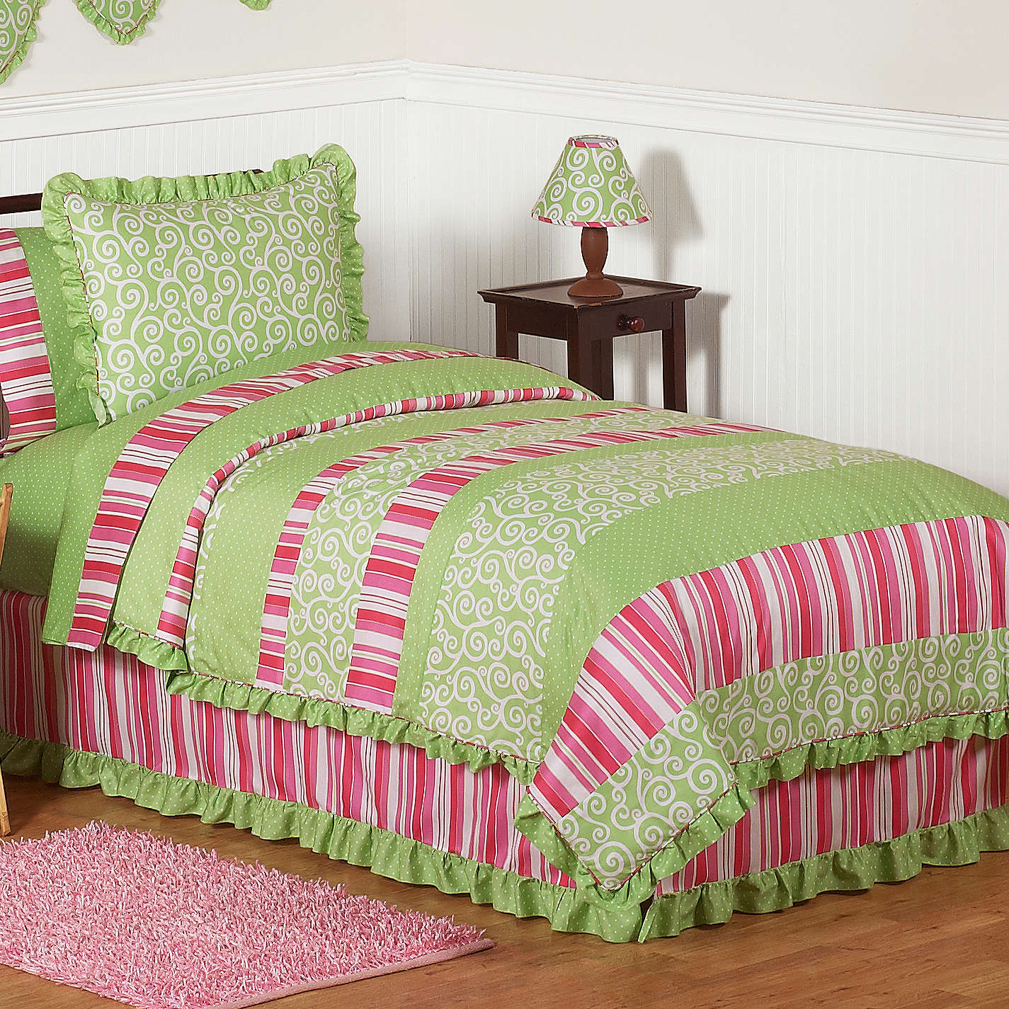 Image of: Pink and Green Bedding