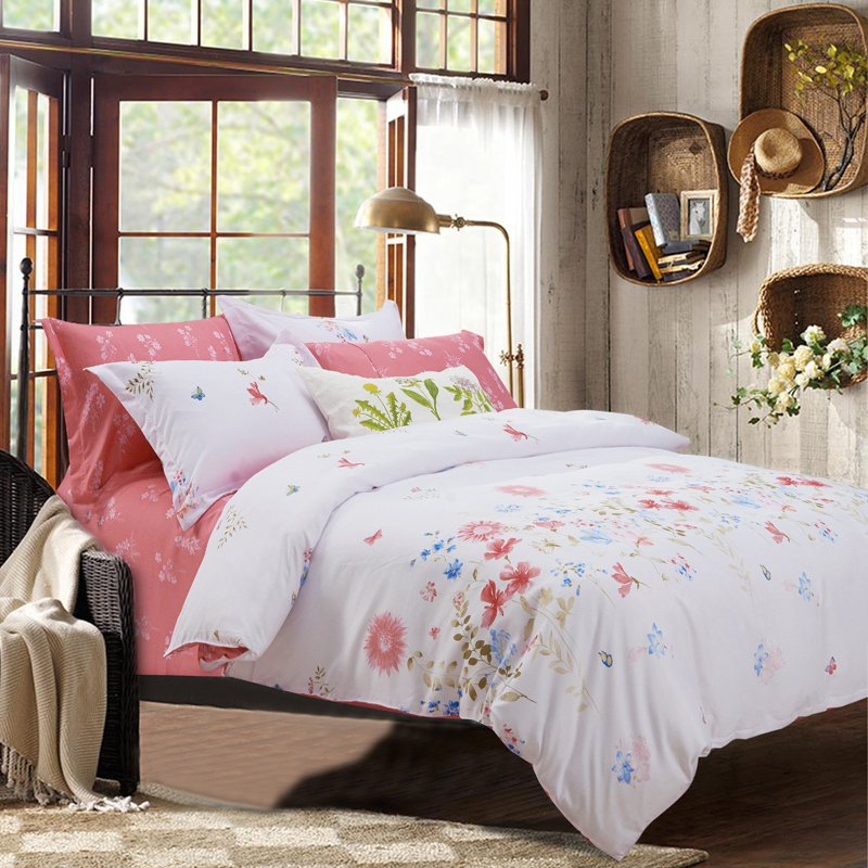 Image of: Shabby Chic Comforter Quilt Pink White Bed Cozy, Relaxed and Chic Bedding Sets