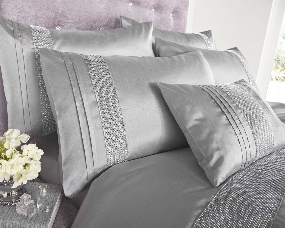 Image of: Silver And Gray Quilt Size