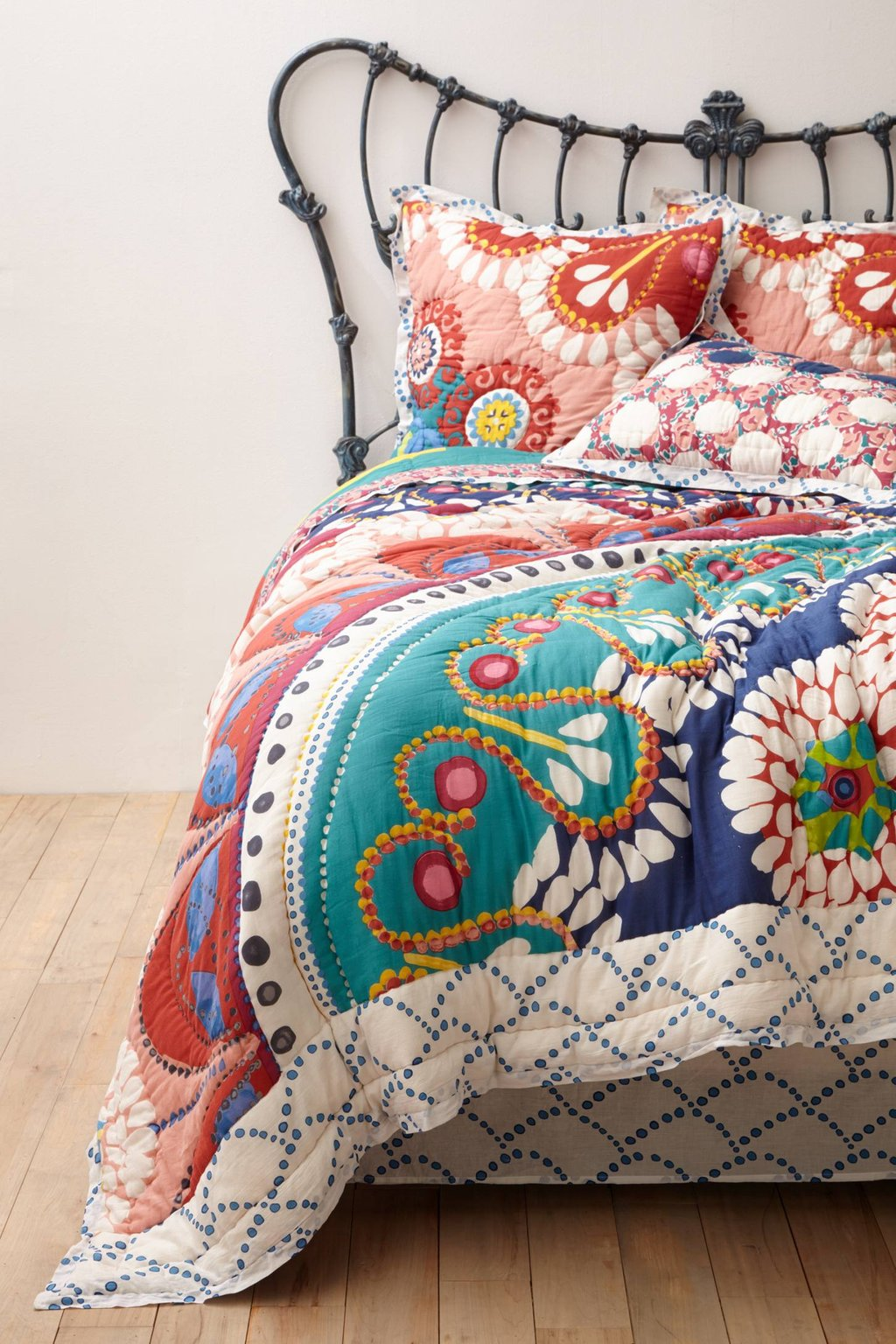Image of: Tahla Quilt Anthropologie The Basic Facts of Hipster Bedding