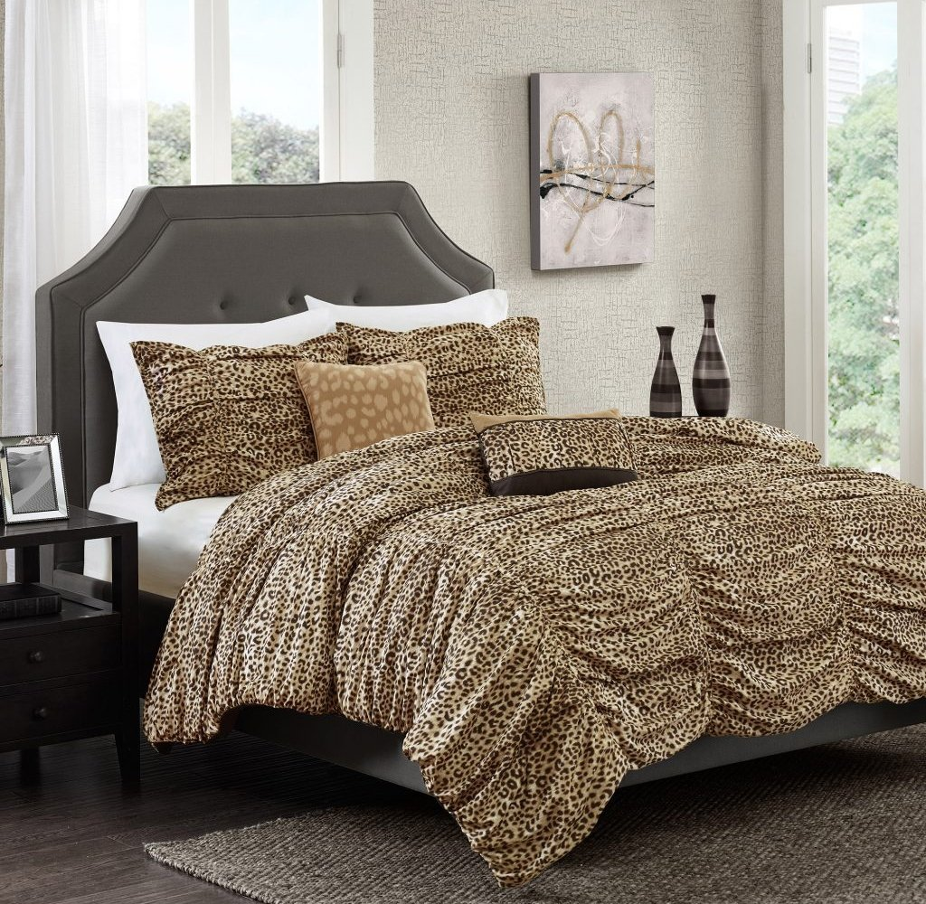 Image of: Tempting Large Size Leopard Print Bedding Comforter Set Kingsize Cal Bedding Cozy, Relaxed and Chic Bedding Sets