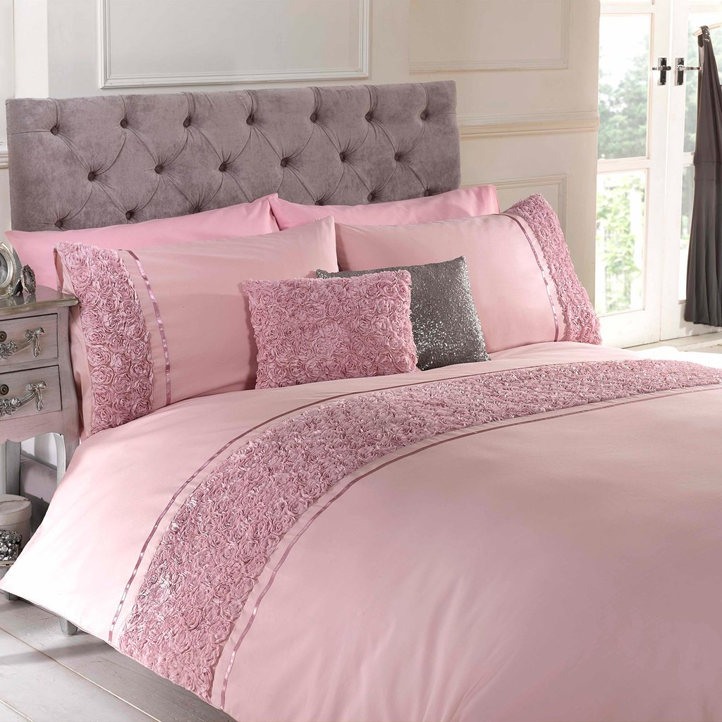 Image of: Vintage Chic Bedding Set Vintage Chic Eliza Comforter Cozy, Relaxed and Chic Bedding Sets