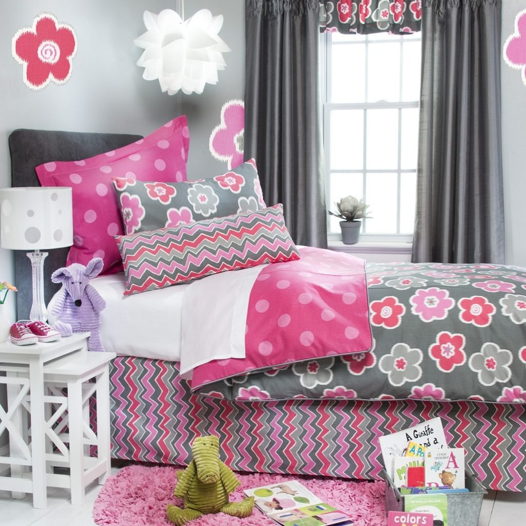 Image of: Astonishing Daybed Bedding Girl Bidcrown Subtle Beauty Daybed Bedding Sets For Girls