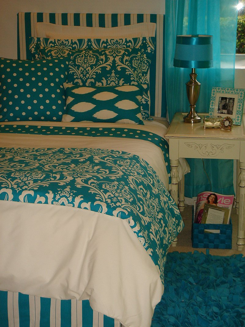 Image of: Black White Teen Girl Bedding Set Home Interior Awesome Ideas Teen Bed Sets