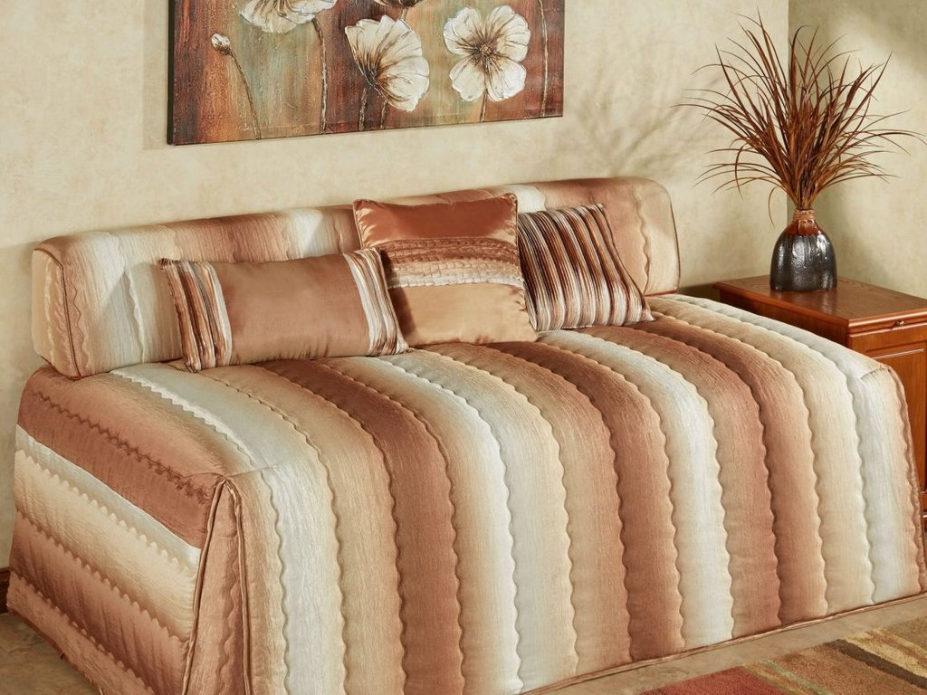 Image of: Daybed Contemporary Cover Stunning Twin Pic Subtle Beauty Daybed Bedding Sets For Girls