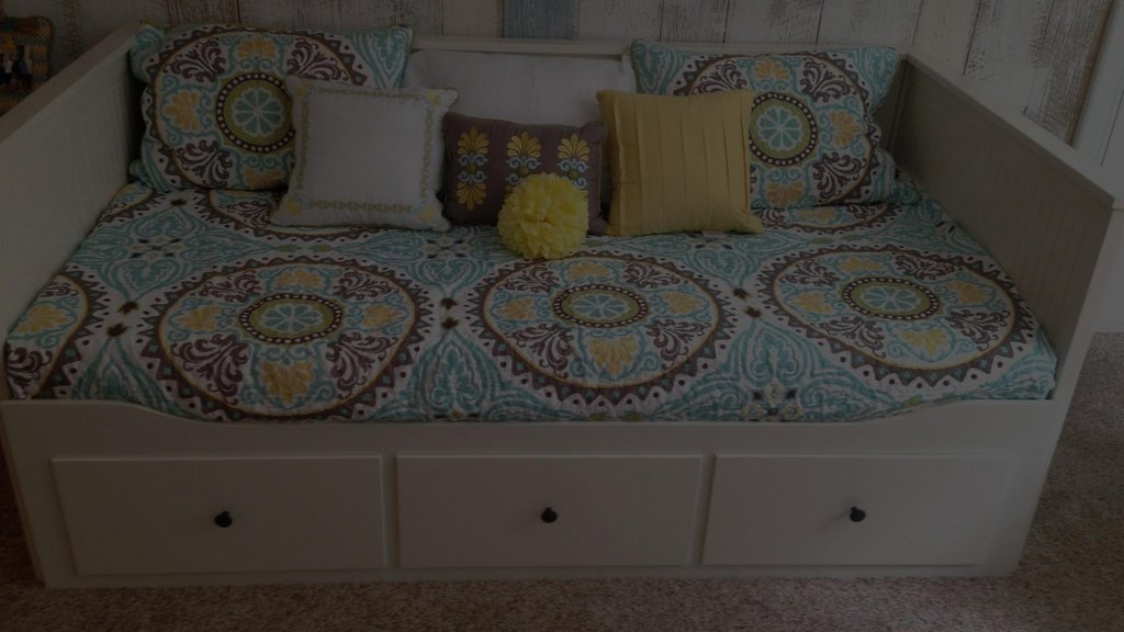Image of: Daybed Mattress Cover White Wood Pop Trundle Pic Subtle Beauty Daybed Bedding Sets For Girls