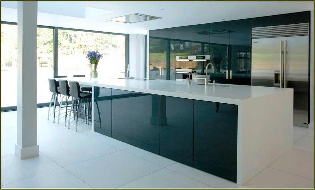 Image of: European Style Modern High Gloss Kitchen Cabinet European Style Modern High Gloss Kitchen Western Baby Bedding Nursery Theme