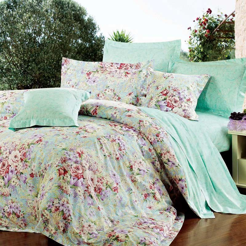 Image of: Floral Bedding Color