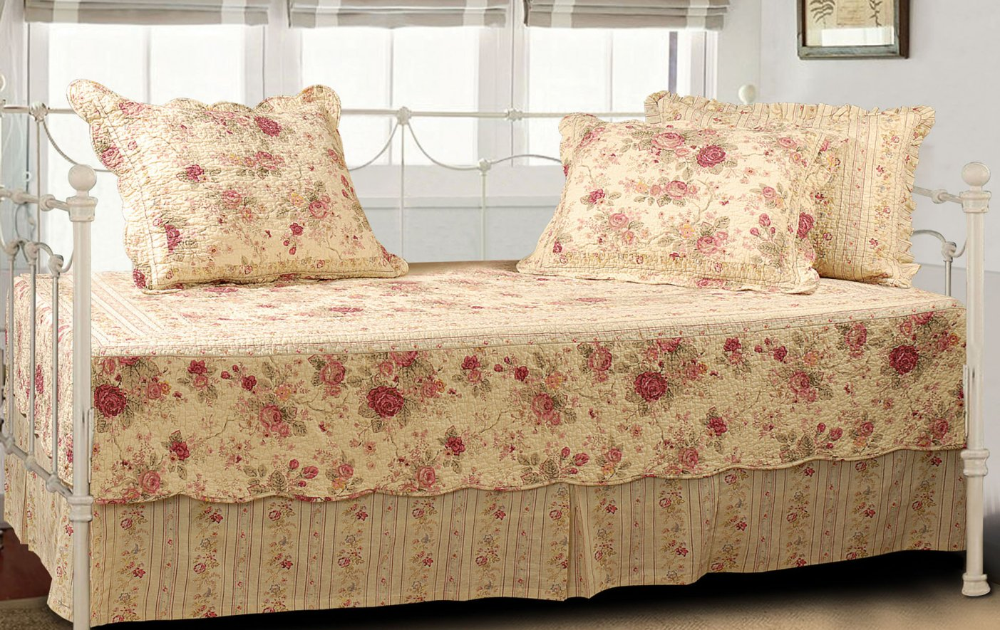 Image of: Girl Daybed Bedding Shabby Chic