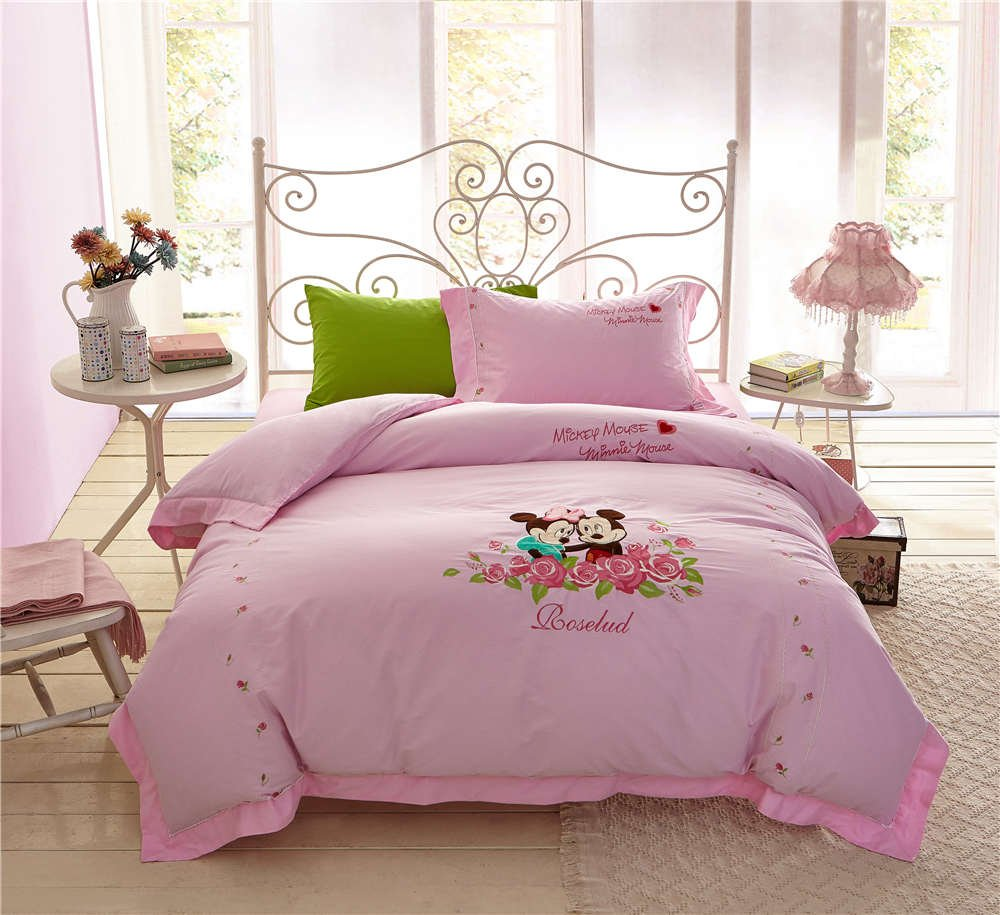 Image of: Mickey Minnie Mouse Bedding Set Girl Bedspread Bed Awesome Ideas Teen Bed Sets