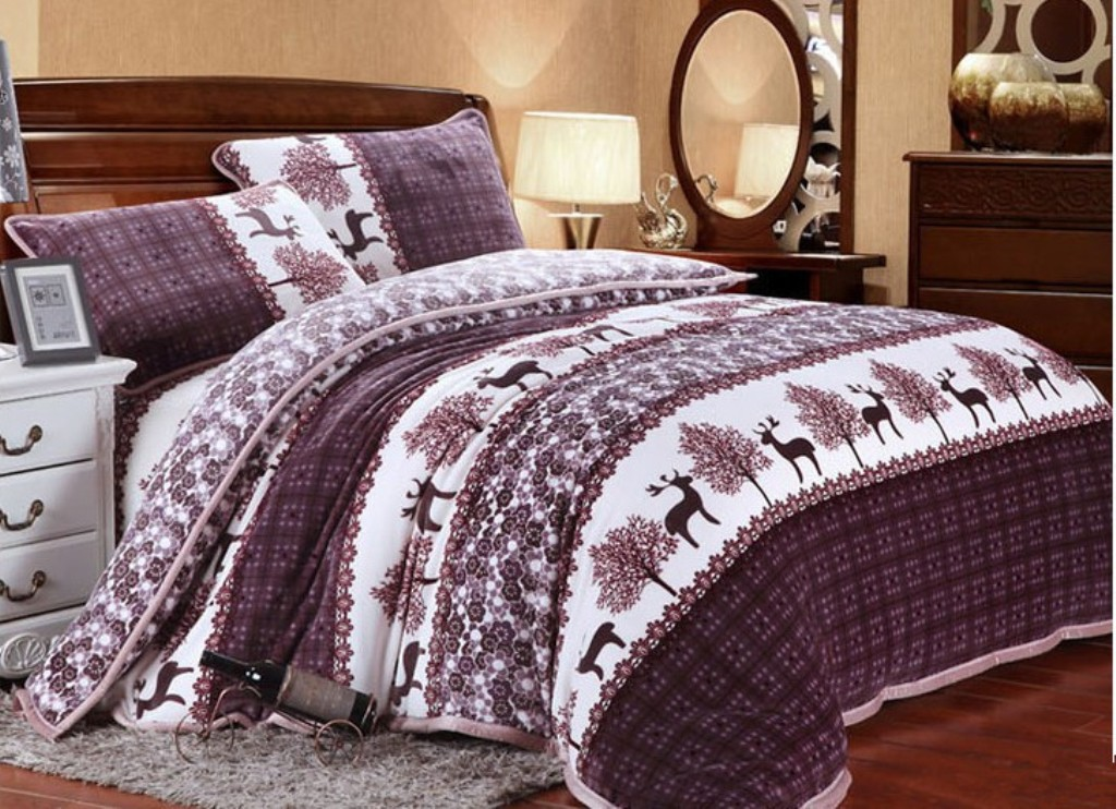Image of: Moose Bedding Sets