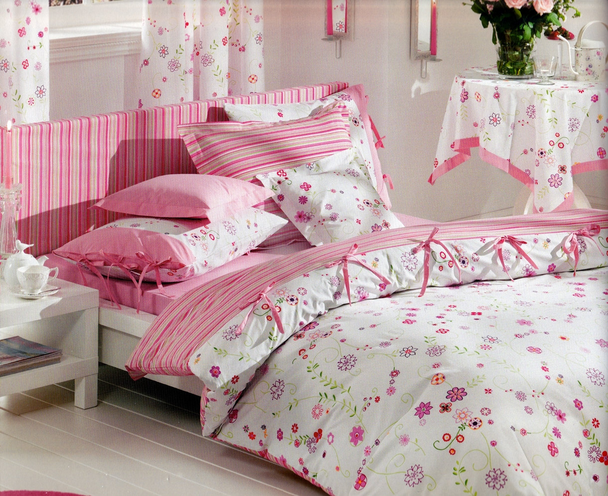Image of: Pink Floral Twin Bedding