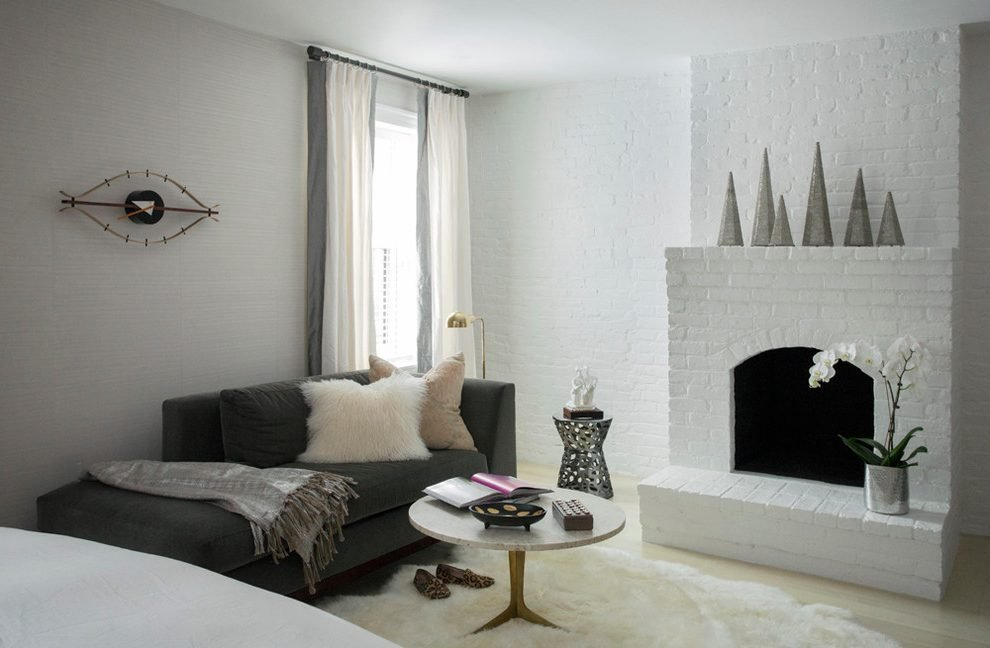 Image of: Stone Coffee Table Bedroom Transitional Grey Chaise Top Choices of Tiffany Blue Bedding
