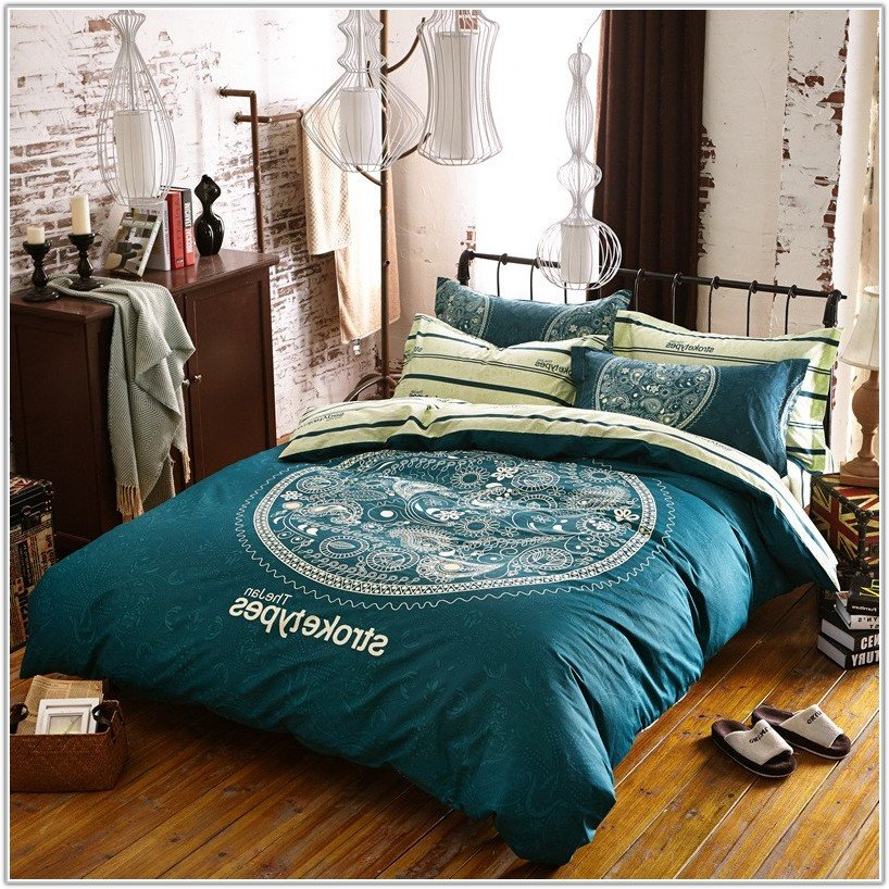 Image of: Teenage Girl Bedding Queen Size Uncategorized Interior Awesome Ideas Teen Bed Sets