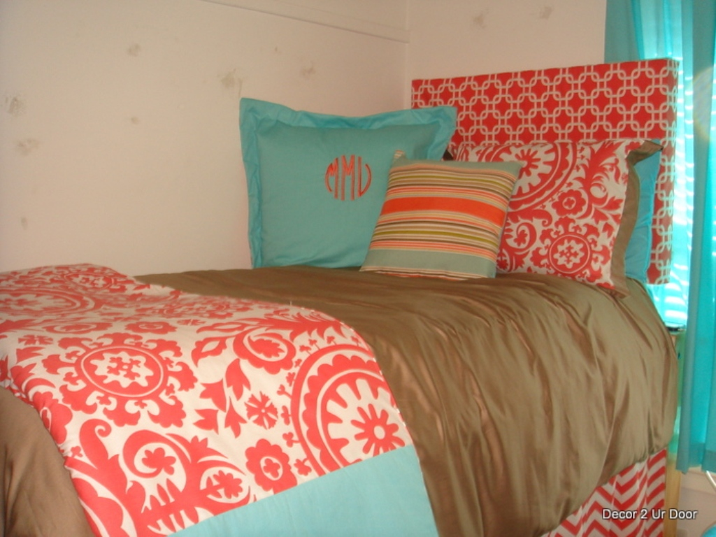 Image of: Tiffany Blue And Coral Bedding