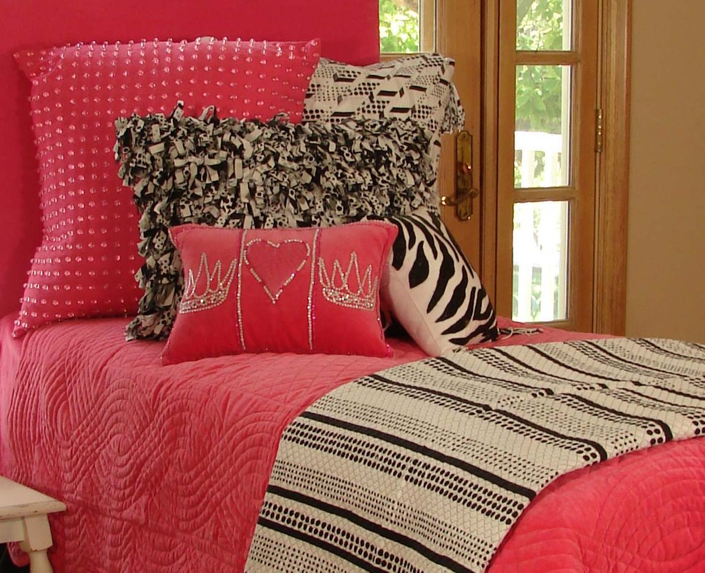 Image of: Tween Girl Bedding Set Idea House Photo Awesome Ideas Teen Bed Sets