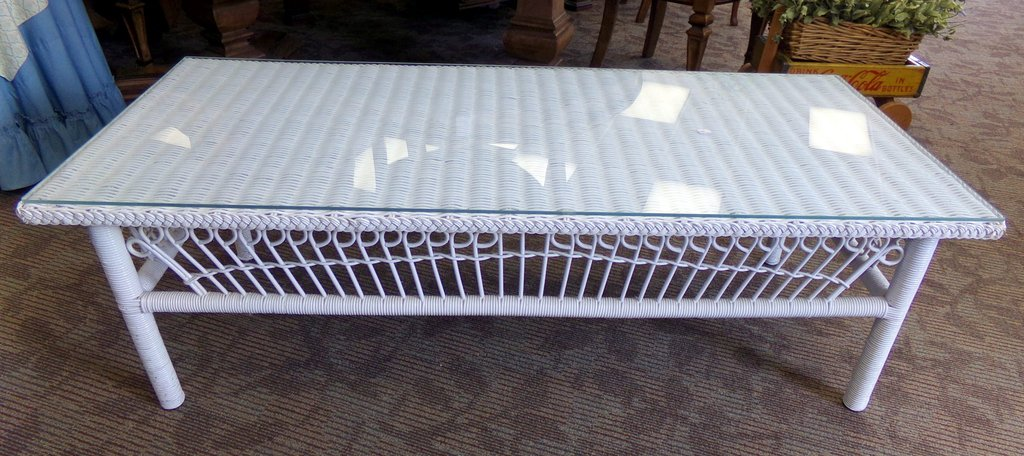 Image of: White Rattan Coffee Table White Wicker Coffee Table Lanai Wicker Paradise Beneficial Earthy Western Baby Bedding Nursery Theme