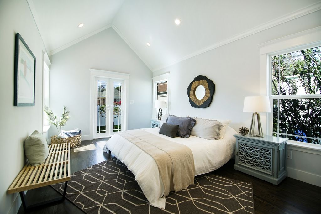 Image of: Bedroom Set Contemporary