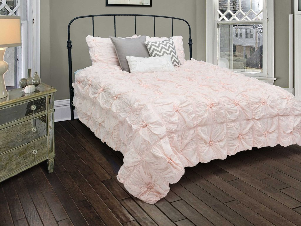 Image of: Rizzy Home Plush Dream Light Pink Comforter Bed Set Pink Bedding Sets Queen Ideas