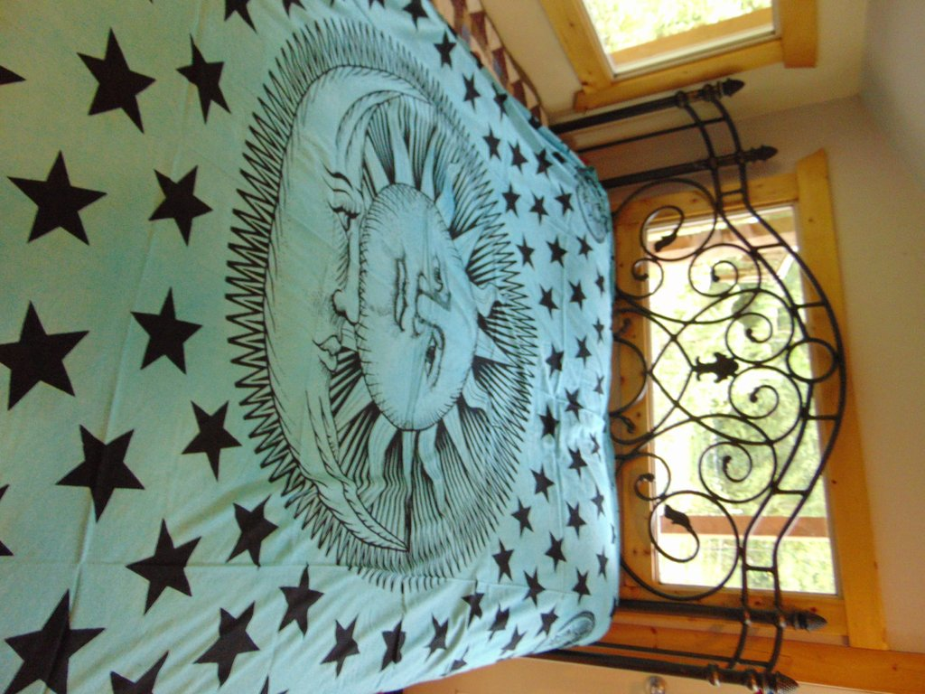 Image of: Xl Queen Size Sun Moon Bedspread Mural Goodthought Luxury Sun And Moon Bed Set
