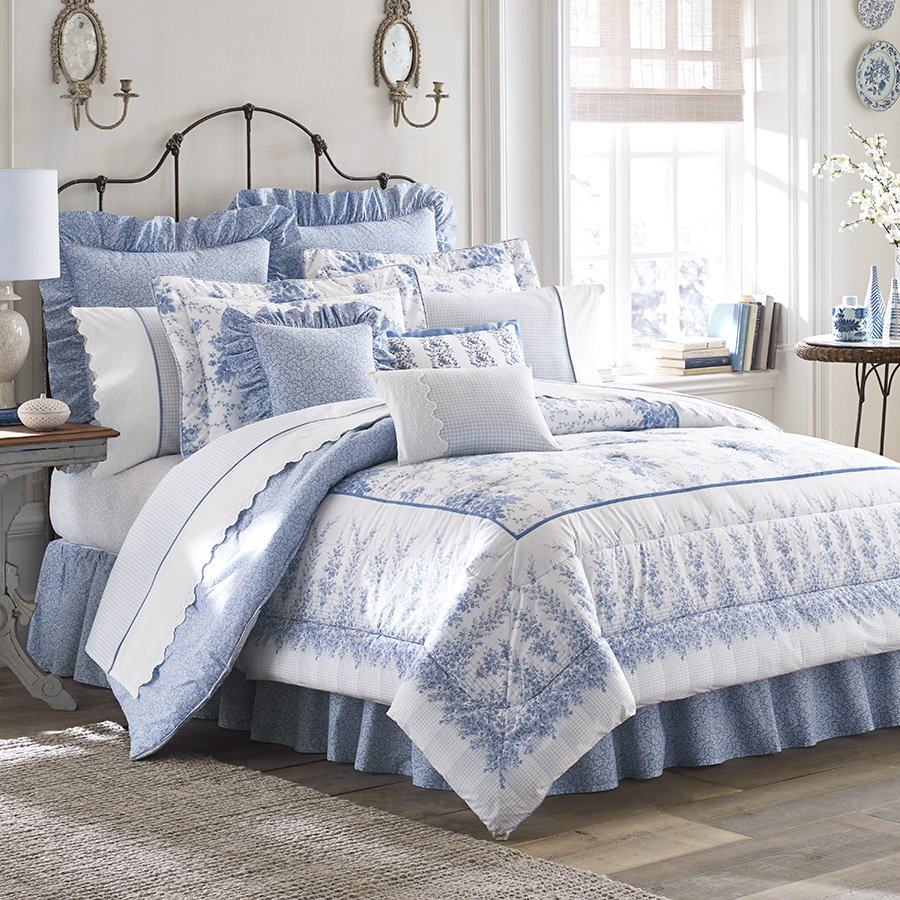 Image of: Bedroom Comforter Set Rose Bedroom Furniture High The Space Available for Queen Size Skull Bedding Sets