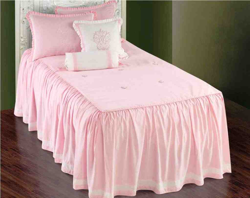 Image of: Charming Pink and White Bedding Set