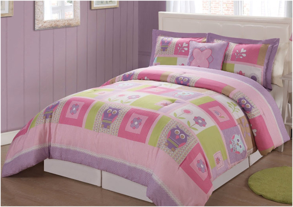 Image of: Cool Girls Twin Bedding Sets