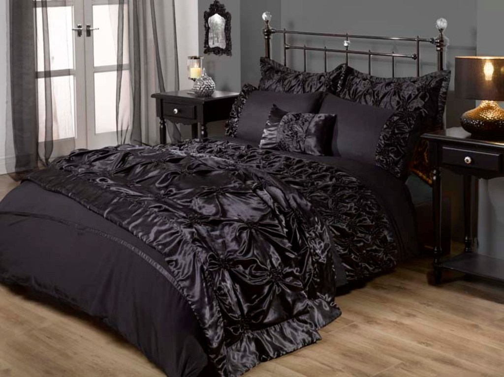 Image of: Gothic Bedding Sets