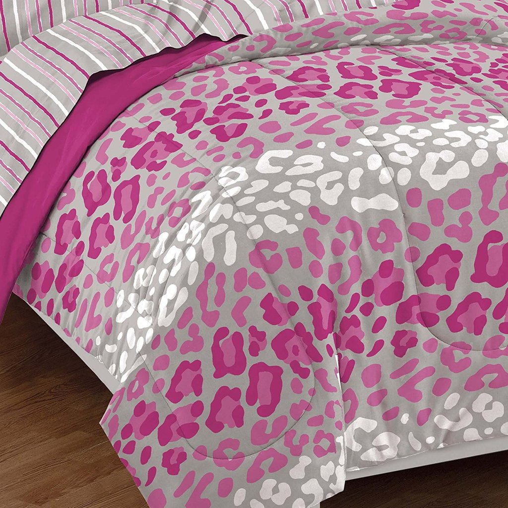 Image of: Pink Comforter Set Cupcake Bedding Set Size Pink Pink and White Bedding Set the Color of Girls