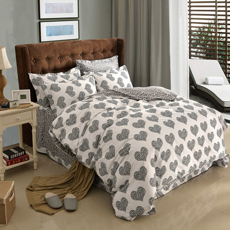 Image of: Polka Dot Duvet Cover Uk Sweetgala The Space Available for Queen Size Skull Bedding Sets