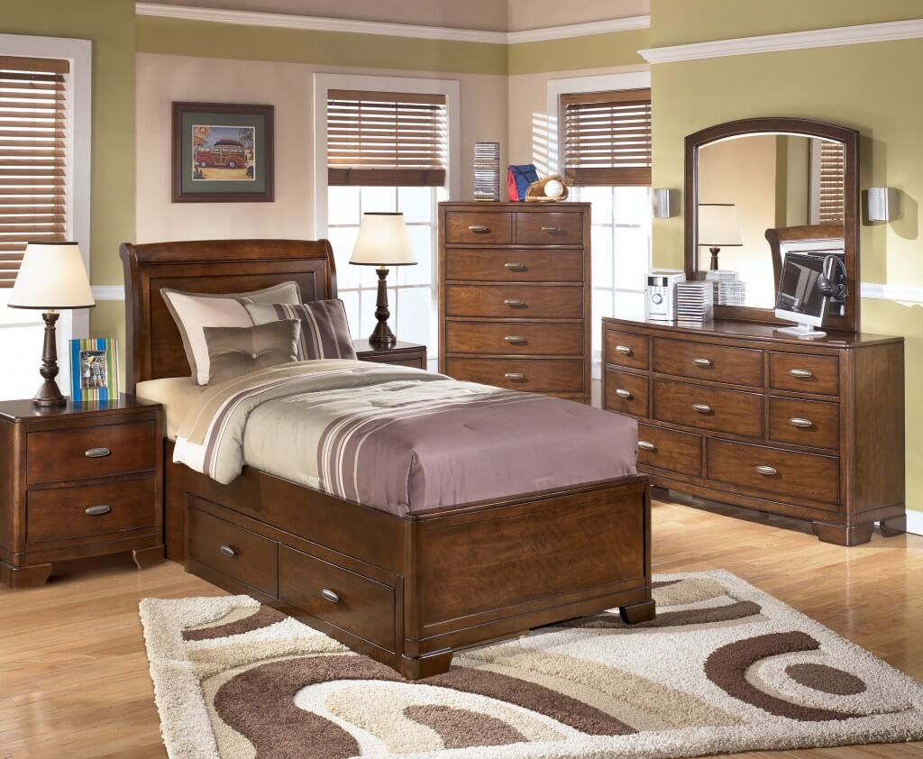 Image of: Solid Wood Twin Bed