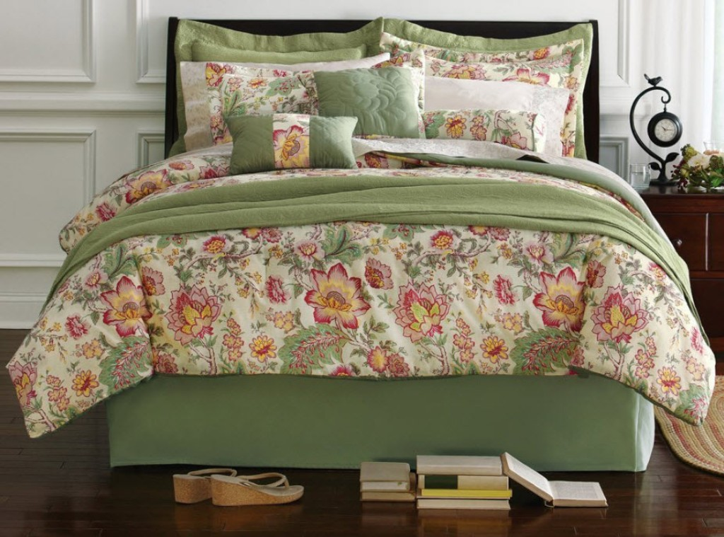 Image of: Teenage Bedding And Curtain Sets