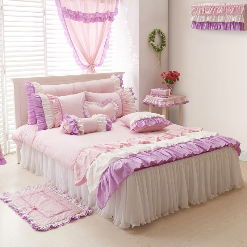 Image of: White and Pink Bed Sheets Design