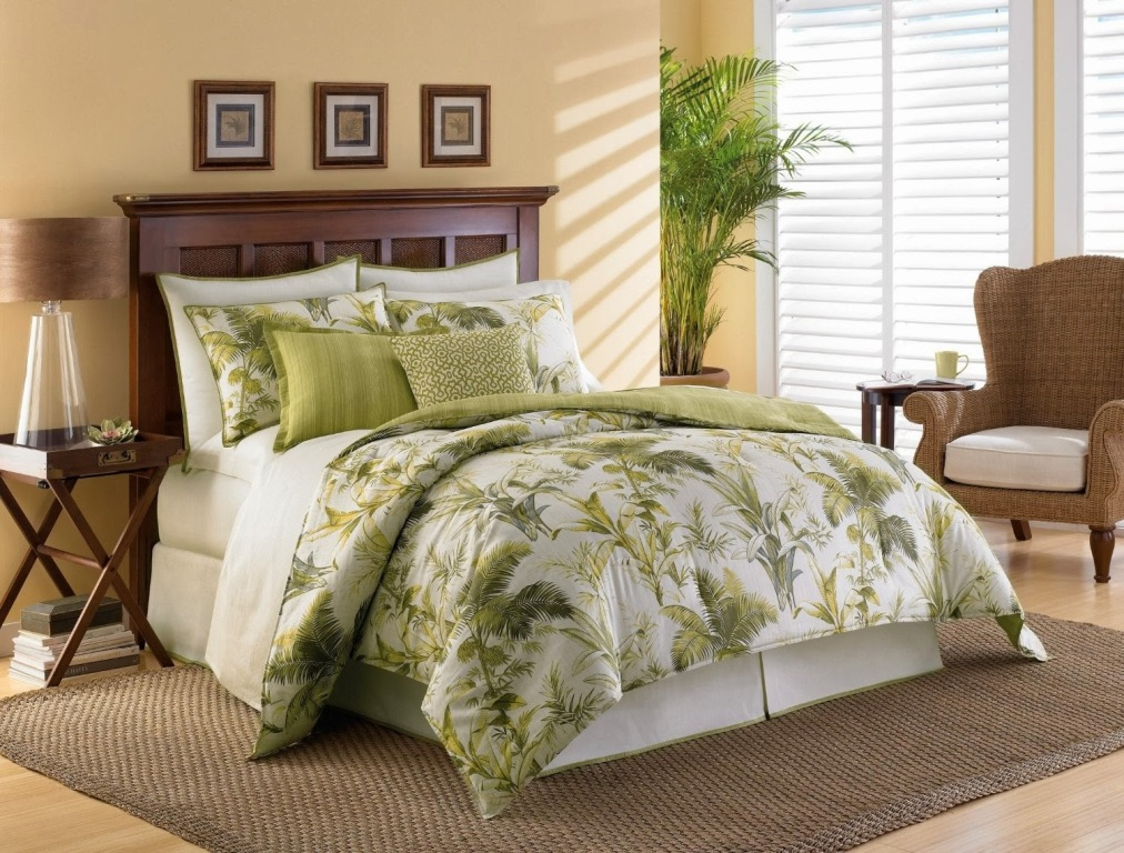 Image of: Beach Themed Bedding for Adults